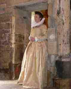 gold damask elizabeth outfit