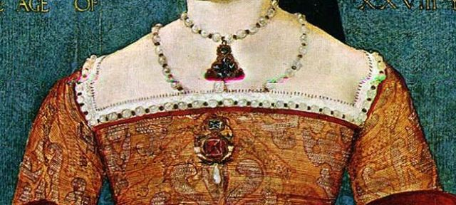 princess mary tudor neckline