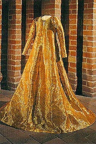 queen margrets gown